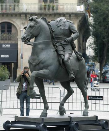 """La escultura forma parte de la exposición temporal """"Franco, Victoria, República. Impunidad y espacio urbano"""", que se inaugura hoy."""