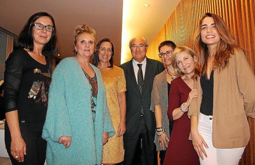 Natalia Bueno, Gloria Mulet, Dolores Moreno, José Mª Mir, María Bonet, Ana García y Ana Casanovas.