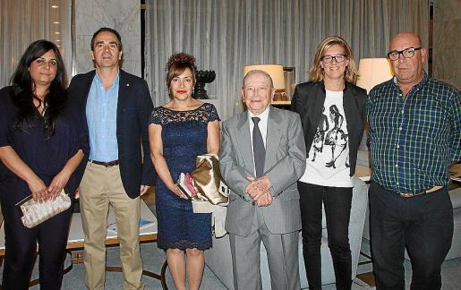 Marta Gallego, Fernando López-Bermejo, Cata Angels Massanet, Gabriel Massanet, Cristina Vilela y Héctor Olaesregui.