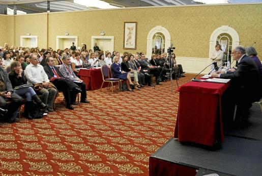 Cerca de 400 profesionales participan desde ayer en el congreso. Fotos: M.A. CAÑELLAS