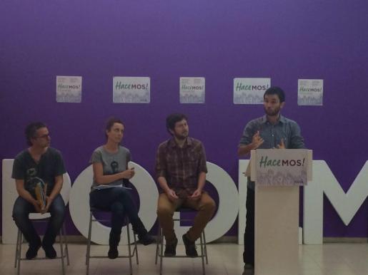 El responsable del área de Participación de Podemos estatal, Miguel Ardanuy, explica en Palma los objetivos del programa Impulsa.