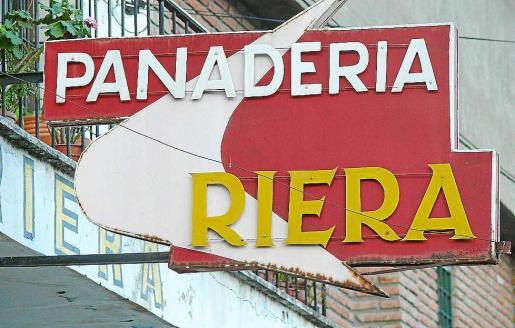 El cartel actual de la panadería Riera de la ciudad argentina de Salta.