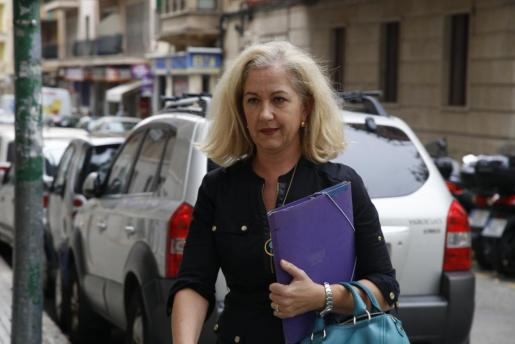 Irene San Gil, llegando a los juzgados de Via Alemania.