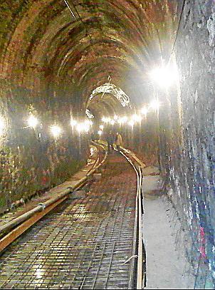 Obras en uno de los túneles.