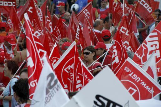 Iamgen de archivo de una de las manifestaciones por el recorte a los funcionarios en Palma.