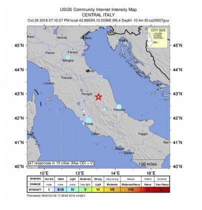 Gráfico cedido por el Servicio Geológico de los Estados Unidos (USGS) que muestra el lugar donde se ha producido el terremoto superior a los 5 grados en la escala Ritcher en Perugia, Italia.