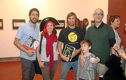 Miquel A. Miranda, Eva Barceló, Álex Fito, y Florentino Flórez con el pequeño Florentino.