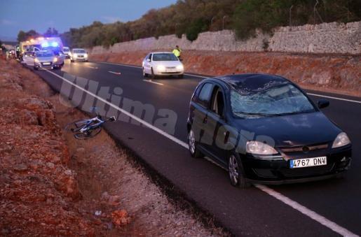Momentos después del accidente que se produjo en la carretera vieja de Sineu.