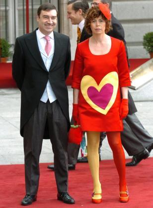 Pedro J. Ramírez y Ágatha Ruiz en la boda Real del Príncipe Felipe y Letizia Ortiz.
