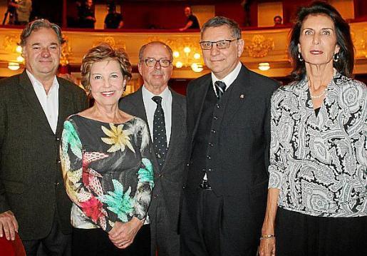 El productor musical Juan Martín Montalvo, Cati Aguiló, Juan González de Chaves, Julio Marco y Carmen Planas.