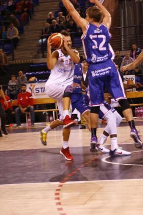 Los de Xavi Sastre suman la quinta victoria de la temporada.
