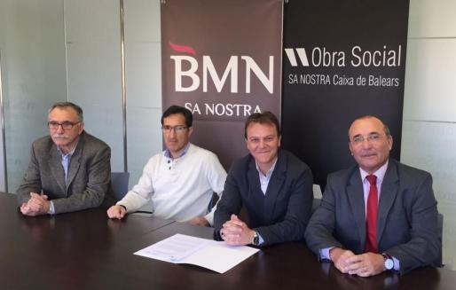 El convenio ha sido firmado por el director de IdISPa, David Martínez, el presidente de la Fundación Caixa de Balears, Jaime Canudas, y el director de Relaciones Institucionales de BMN-Sa Nostra, Jordi Mulet.