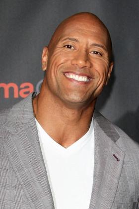 En la imagen, «La Roca» elegido como el «hombre vivo más sexy» de este año.