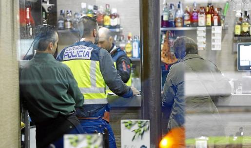 Agentes de la UCRIF irrumpieron por segunda vez en los locales de El Olivo.