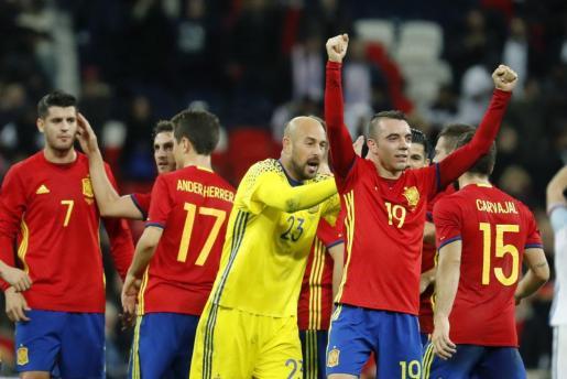El delantero de la selección española Iago Aspas celebra tras marcar el primer gol ante Inglaterra.