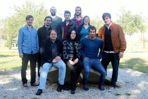 En la imagen, el grupo de investigadores de la UIB que participa en la investigación sobre las ondas gravitacionales.