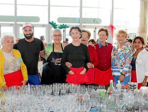 Rosario Dezcallar, Iconaviet Juiz, Juana Fiol, Tere Montesinos, Ana Oliver, Pilar Caldentey, Neli Faúndez y Julia Pachá.