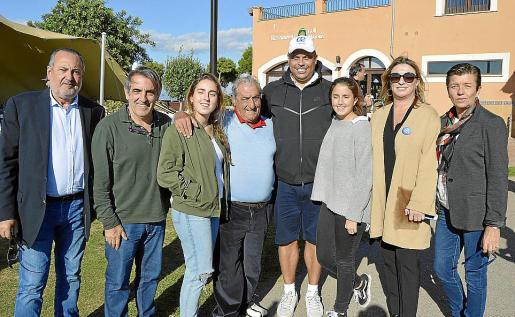Jesús Boyero, Mario Hidalgo, María Muñoz, Juan José Hidalgo, Ronaldo Nazario, Elena Muñoz, María José Hidalgo y Carme Serra.
