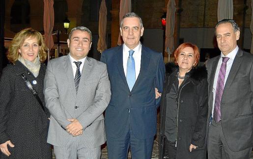 Antònia Sabater, Virgilio Moreno, Josep Maria Ramis, Magdalena Ferrer y Xavier Ramis.