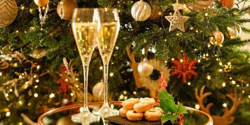 Ven a celebrar la Navidad entre amigos.