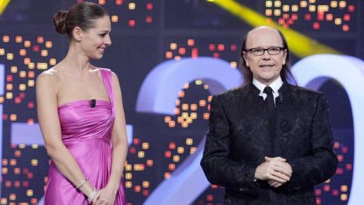 Eva González y Santiago Segura serán los presentadores del especial de Nochevieja '¡Feliz 2017!' de La 1.