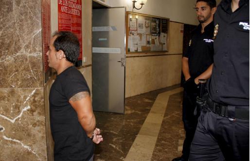 Alejandro de Abarca ha sido juzgado por un delito de quebrantamiento de condena.