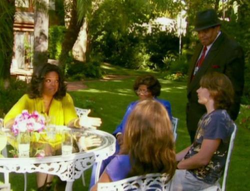 Los hijos de Michael Jackson charlan con Oprah Winfrey ante la presencia de la abuela y tutora legal Katherine Jackson y su esposo Joe