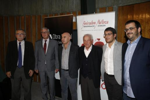 Miquel Fiol, José Luis Roses, Joan Bennàssar, Joan Colom, Iago Negueruela y Vicenç Vidal durante la entrega de premios.