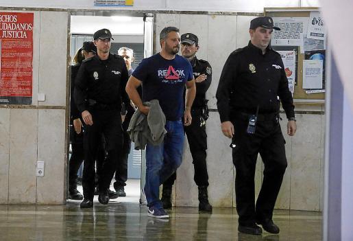 Varios testigos descargan la responsabilidad por la operación en el comisario Estarellas.
