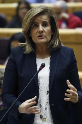 La ministra de Empleo y Seguridad Social, Fátima Báñez, ha pedido rigor para no confundir las encuestas de salarios con las encuestas de ingresos tributarios.