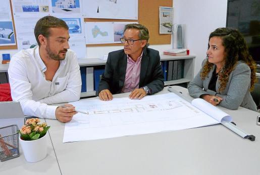 El gerente Guillem Bauzá, Jose Ángel Blanco, director del departamento de Project Management y M.Magdalena Payeras, directora financiera.