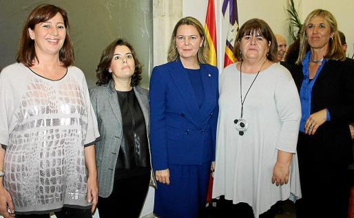 Francina Armengol, Soraya Sáenz de Santamaría, María Salom, Xelo Huertas y Teresa Palmer.