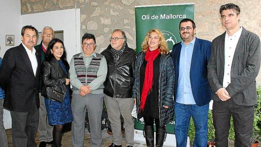 Josep Oliver, Josep Solivellas, Patricia Colmenares, Joan Mayol, Andreu Manresa, Tiffany Blackman, Vicenç Vidal y Sebastià Solivellas.