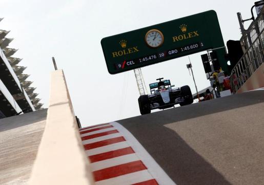 El piloto de Mercedes, Lewis Hamilton, en las sesiones preparatorias del Gran Premio de Abu Dabi de Fórmula 1.
