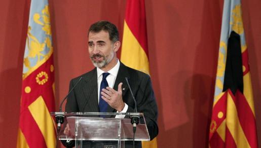 Felipe VI ha expresado que, tras recibir la noticia del fallecimiento de Castro, se une «junto a la Reina al sentimiento de pesar de sus familiares con nuestras más sentidas condolencias»