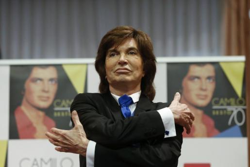En la imagen, el cantante Camilo Sesto durante la presentación de su disco «Camilo 70».