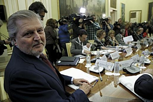 El ministro de Educación, Íñigo Méndez de Vigo (i), durante la Conferencia Sectorial de Educación.