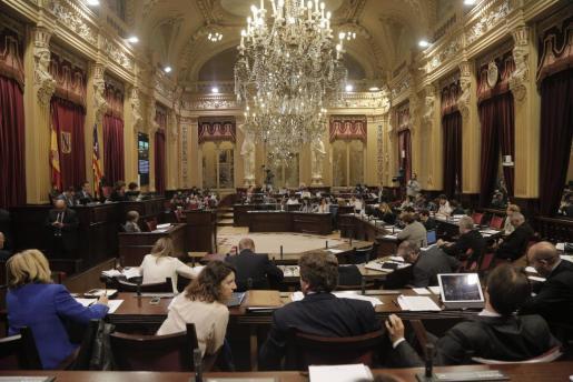 Imagen general del pleno del Parlament de este martes.