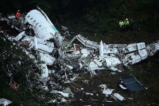 En el accidente, ocurrido cuando el avión se aproximaba a Medellín, murieron al menos 75 de sus 81 ocupantes, entre ellos muchos de los jugadores del Chapecoense.