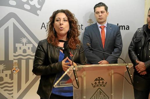 La regidora Angélica Pastor valoró la denuncia policial en el trancurso de una rueda de prensa.