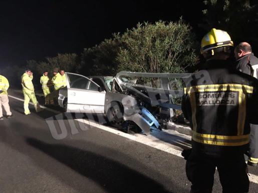 El turismo impactó contra el guardarraíl en la autopista de Andratx.
