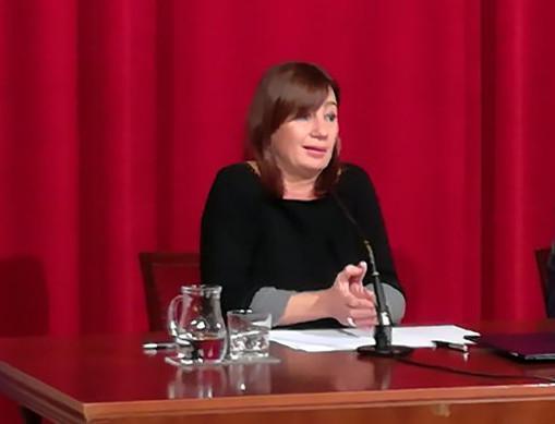 La presidenta del Govern de las Illes Balears, Francina Armengol, durante una rueda de prensa ofrecida la mañana de este viernes.