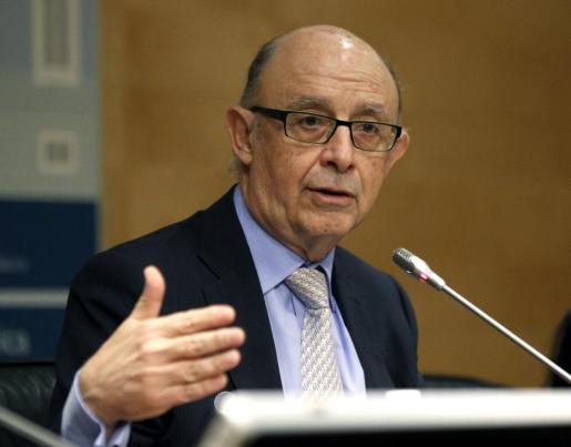 El ministro de Hacienda, Cristóbal Montoro, durante la rueda de prensa posterior a la reunión del Consejo de Política Fiscal y Financiera.