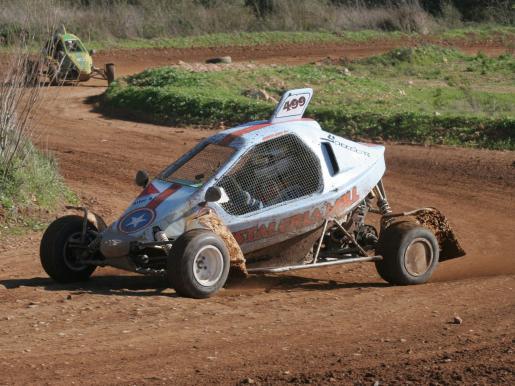 Juanjo Moll, en una secuencia de su concurso en el autocross de Felanitx.