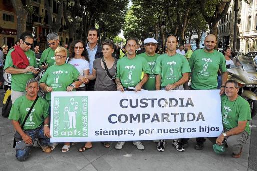 Protesta a favor de la custodia compartida en Palma