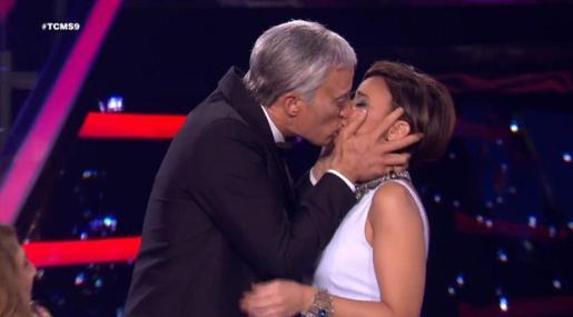 Pablo Puyol Chenoa protagonizaron uno de los momentos más comentados del programa de Antena 3 'Tu cara me suena'.