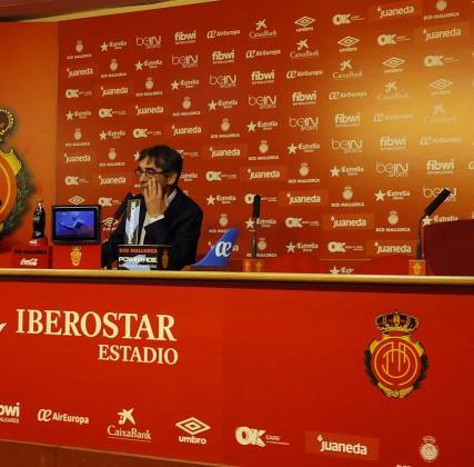 El entrenador del RCD Mallorca, Fernando Vázquez, en rueda de prensa tras el partido ante el Valladolid.