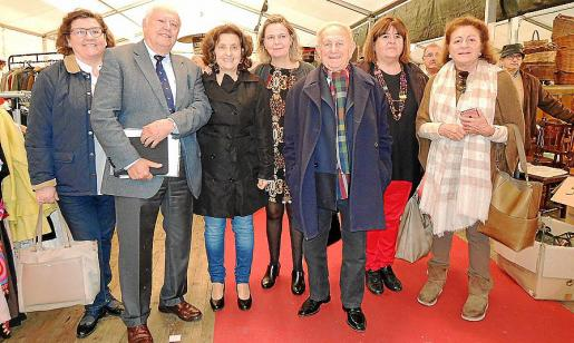 Catalina Cirer, Juan Seguí, Fina Santiago, María Salom, Gaspar Aguiló, Xelo Huertas y Marieta Salas.