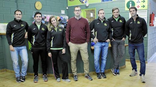 Parte del equipo de Biosport, con Toni Capó en el centro.
