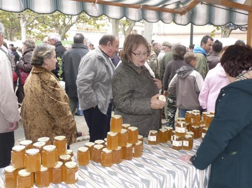 La Fira de la Mel es una cita de referencia para degustar miel elaborada de forma natural y artesana.